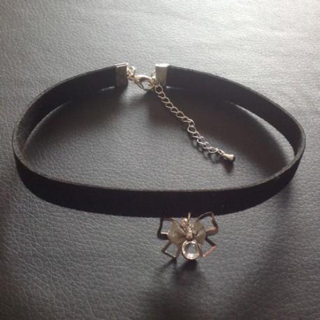 collier femme ras de cou chic noeud papillon cristal swarovski ysia bijoux. Black Bedroom Furniture Sets. Home Design Ideas