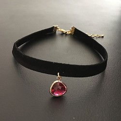 Collier chic de soirée ras de cou glamour pendentif goutte rouge rubis