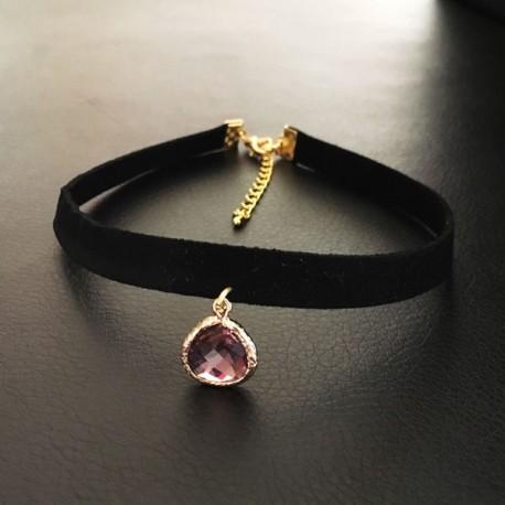 collier chic glamour ras de cou noir pendentif goutte am thyste facett e ysia bijoux. Black Bedroom Furniture Sets. Home Design Ideas