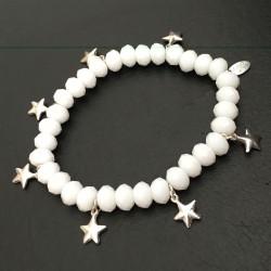 Bracelet perles blanches de verre pampilles étoiles argent 925/000