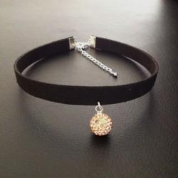 Collier chic de soirée ras de cou glamour pendentif boucles cristal or rose