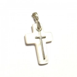 Pendentif croix en nacre naturelle et croix argent 925 hauteur 31 mm avec bélière x 16 mm